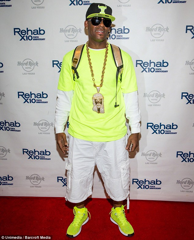 r kelly clothes